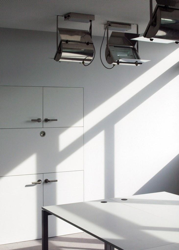 bureaux sammode design produit ga lle lauriot pr vost. Black Bedroom Furniture Sets. Home Design Ideas